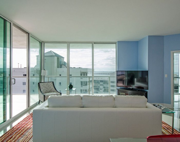 Open-Layout, Brickell Penthouse Remodel with Ocean View 5