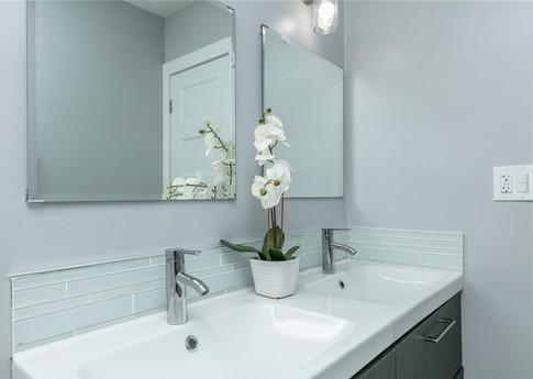 Contemporary Kid's Bathroom Remodel 2