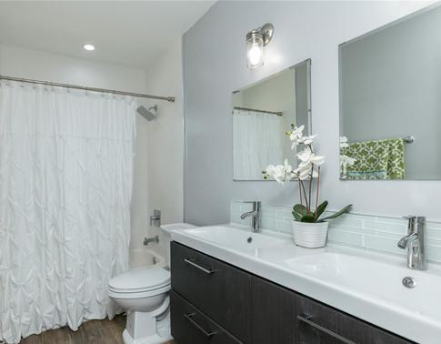 Contemporary Kid's Bathroom Remodel