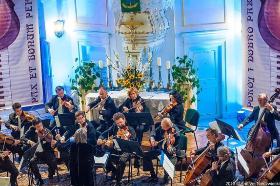 Orkiestra Kameralna Polskiego Radia Amadeus pod batutą Agnieszki Duczmal