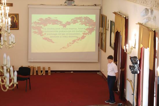 Wśród kategorii jest również prezentacja multimedialna, film i fotografia.