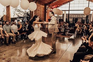 Lauren-Jarret-First-Dance.jpg
