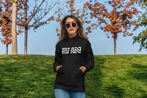 pullover-hoodie-mockup-of-a-serious-woma