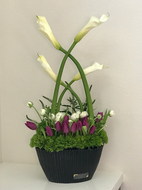 Lily Arrangement In Black Ceramic Vase