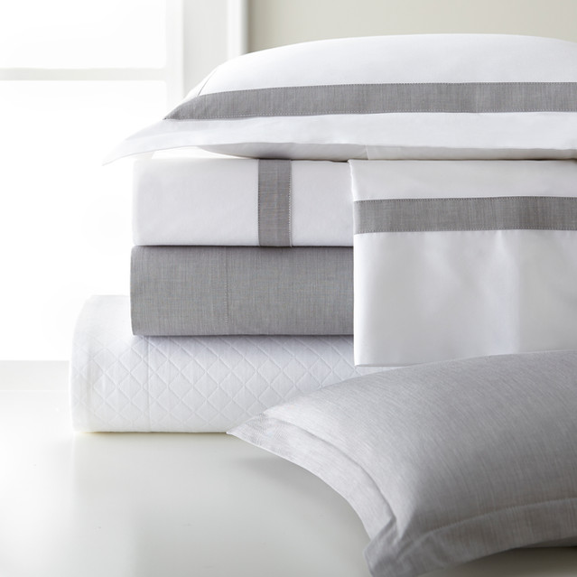 Bedding Coverlet Pillow Stack