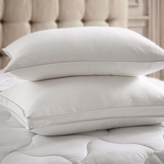 Bedding Photographer white pillows