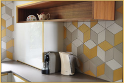 Mutina ceramica with wood shelf