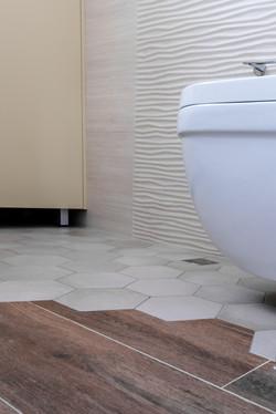 Bathroom ceramic decor