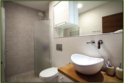 Contemporary Style Washbasins