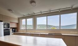 Kitchen in open space, מטבח בחלל פתוח