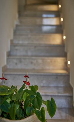 Stairs lighting, תאורה במדרגות