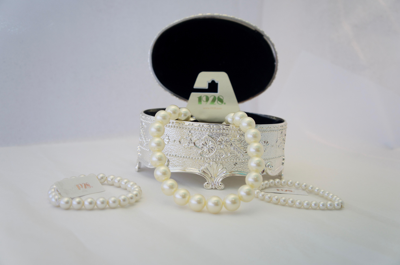 1928 Jewelry Line