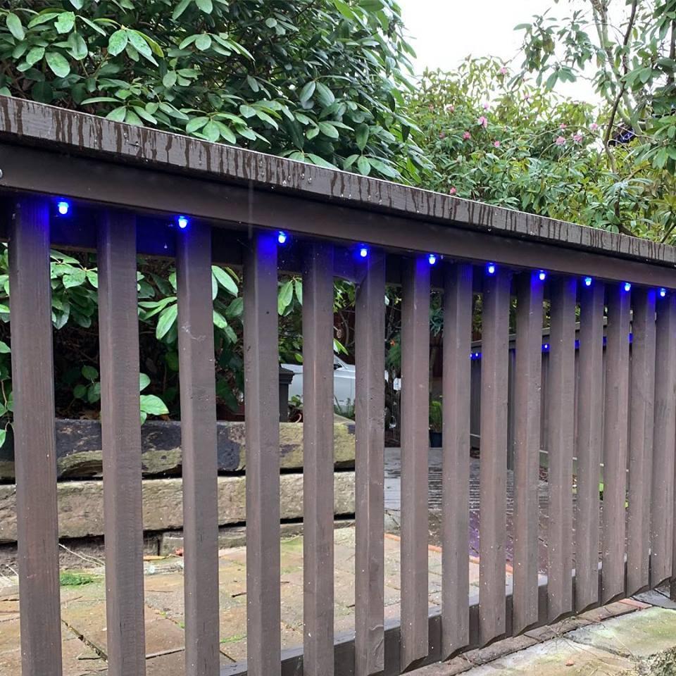 railing blue