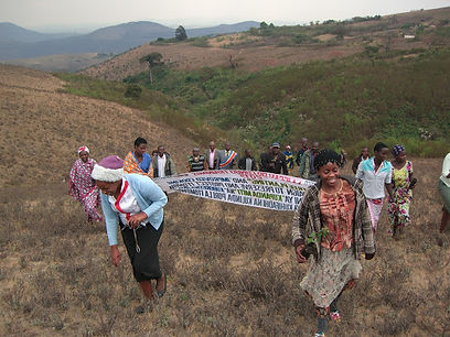 A training at the women's reforestation site