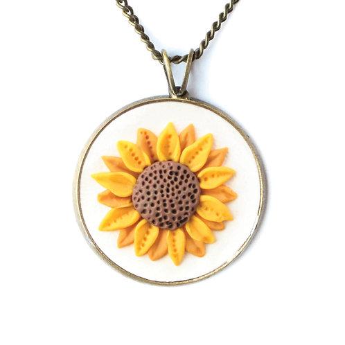 White Sunflower Necklace