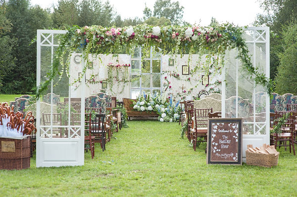 backdrop flowers arrangement for wedding