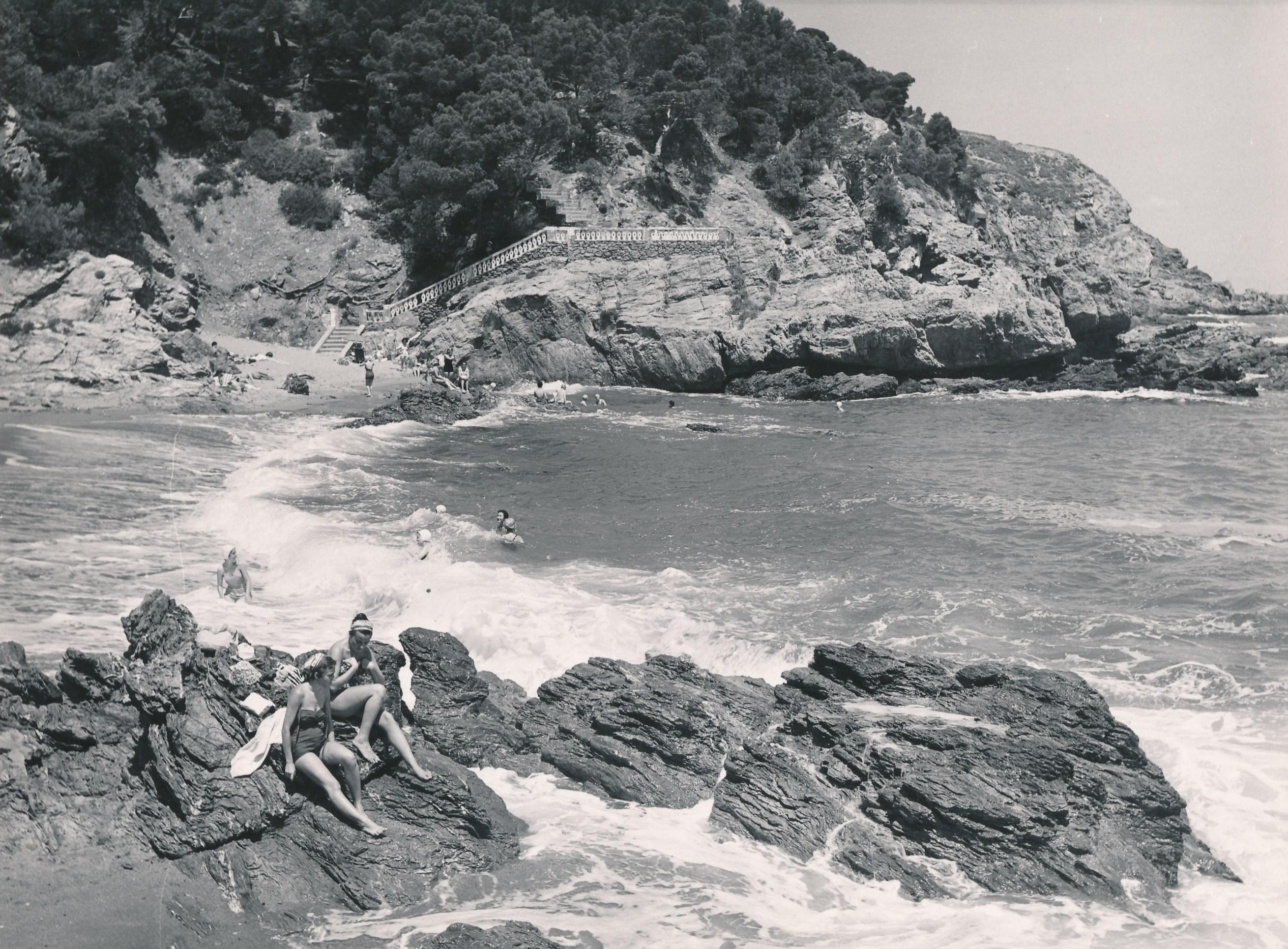 Sa_Riera._Begur_(Girona)_(18862292180)