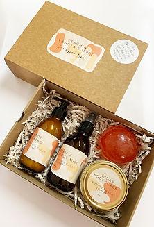 Vanilla & Peach Gift Box 1.jpg