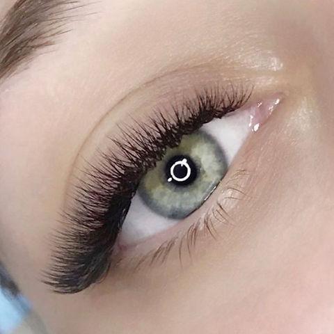 volume eyelash extensions.jpg