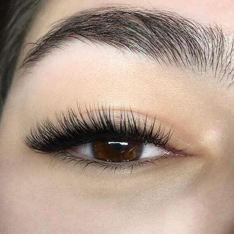 Classic eyelash extentions