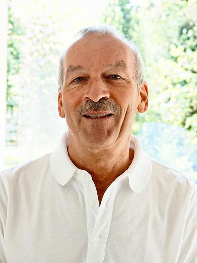 Zahnarzt Dr. Christoph Schlachter Königstein.jpg