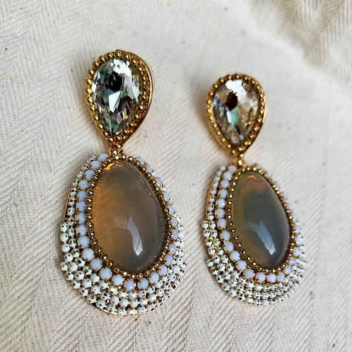 Cream Diamond Drops