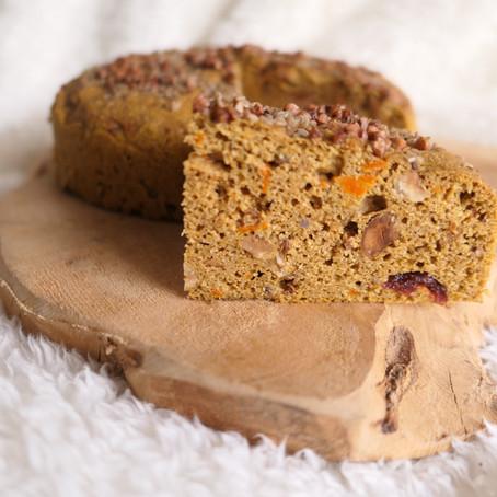 Pumpkin cake, épices d'hiver, noisettes & cranberries