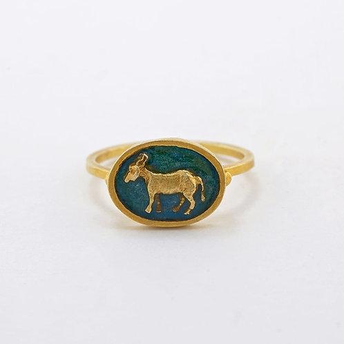 Tiny Donkey Cameo Ring Gold Plated