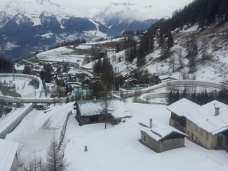 Americans look to recapture their mojo in the French Alps