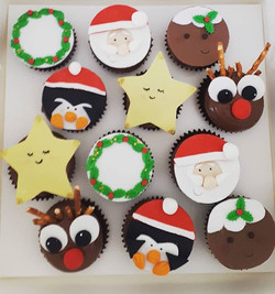 Cute Christmas cupcakes have arrived! #c