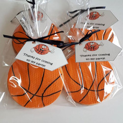 Basketball sugar cookie party favours__#basketball #sugarcookies #cookies #cookiefavours #partyfavou