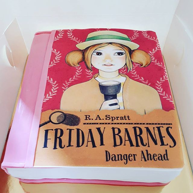 I LOVED this idea for a cake! The Birthday girl's favourite book! _raspratt Raspberry red velvet cak