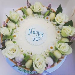 Lime and coconut cheesecake #cheesecake #sydneycakes #sydneybaker #cakestagram #cakesbyheidi #limean