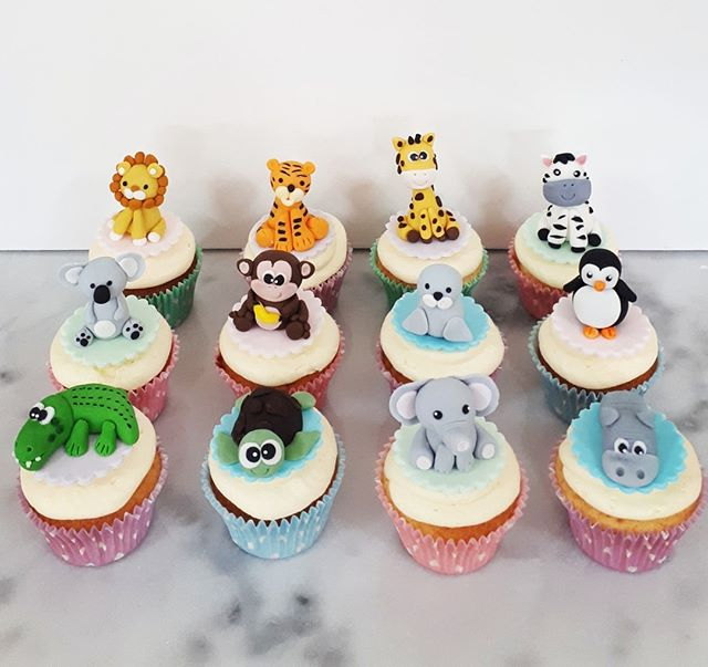 The cutest little vanilla zoo cupcakes f