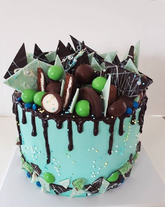 Chocolate and Mint everything! #cakesbyheidi #birthdaycake #sydneybirthdaycake #sydneycakemaker #cho