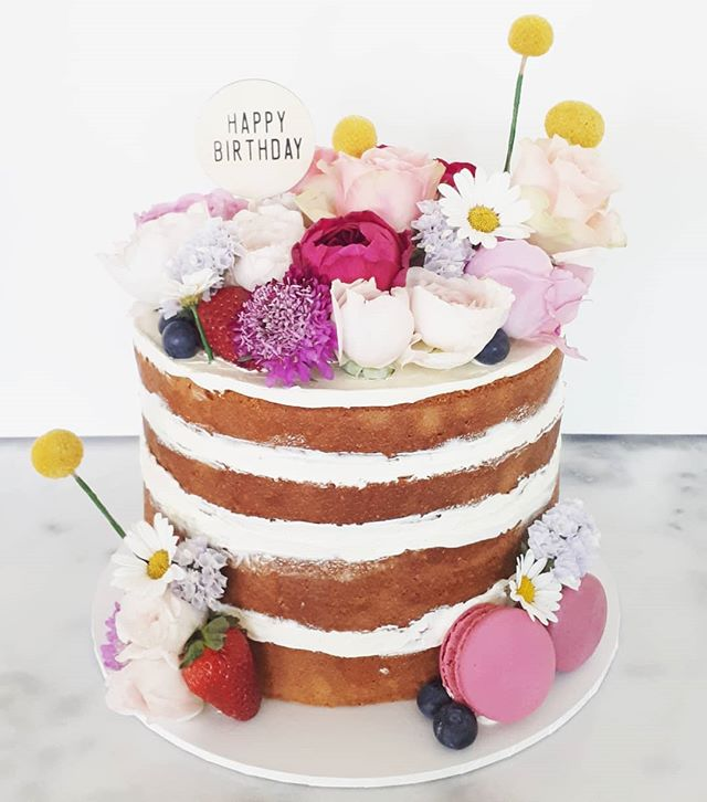 The prettiest cake I ever did see! I LOV