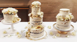 When 3 wedding cakes are better than 1!