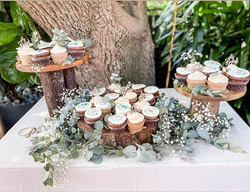 Natural, rustic woodland vibes for this