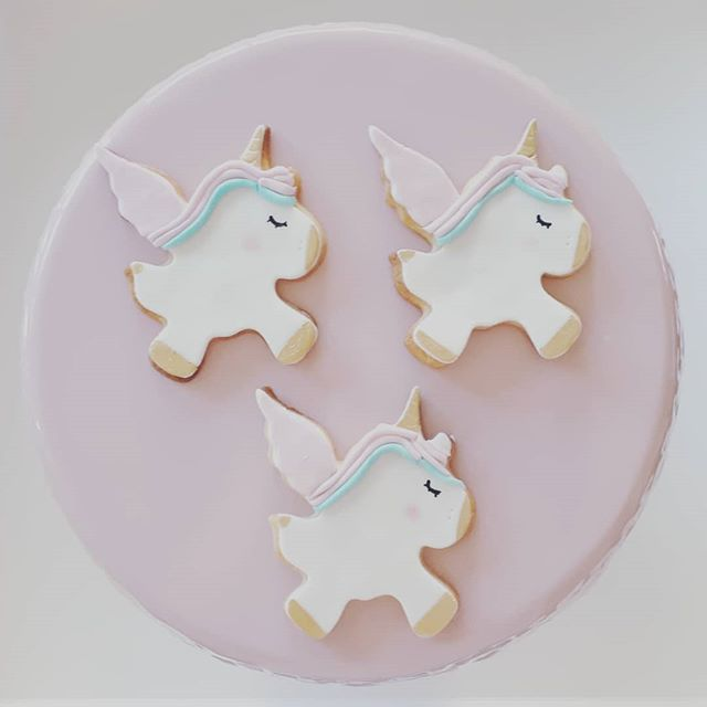 Unicorn cookie cuteness
