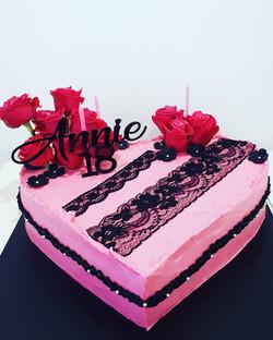 annie goth cake
