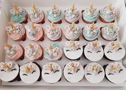 Unicorns are still happening! Mixture of chocolate and vanilla unicorn cupcakes  #unicorncupcakes #u