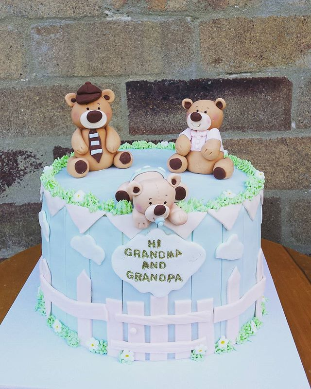 Here is the finished grandparents cake! #sydneycakes #babyshower #teddybearcake #cakesbyheidi.com