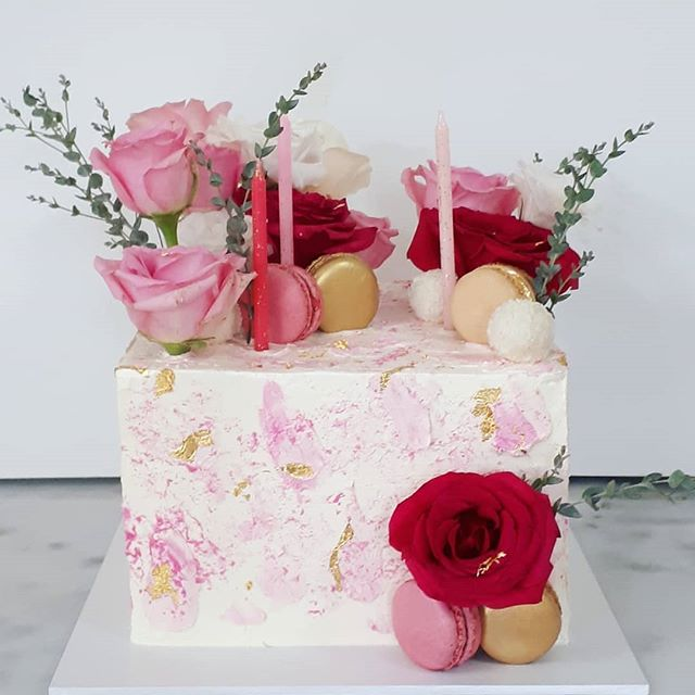 Textured buttercream and pretty in pink