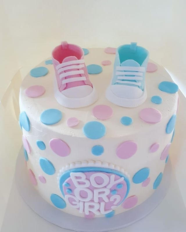 Gender reveal cake! Swipe to see the big