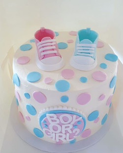Gender reveal cake! Swipe to see the big