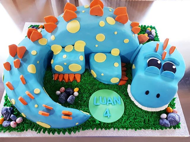 Happy 4th birthday Luan! Hope you liked your stegosaurus birthday cake! Vanilla cake filled with min