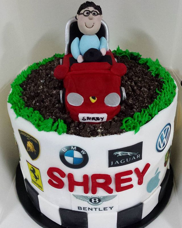 Luxury car cake! Red velevet and cookies and cream