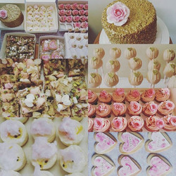 Pink and gold for a sweet 16 #sweet16 #sydneycakes #sydneydesserttables #cakestagram #cake #cookies
