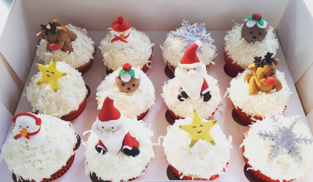 Here come the Christmas cupcakes! Coconu