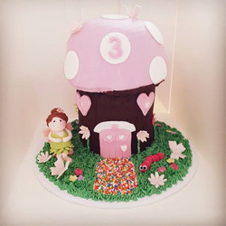 Happy 3rd Birthday Elise! Hope you loved your fairy house cake